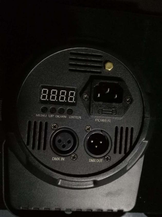3顆15W蜂眼PAR燈 2